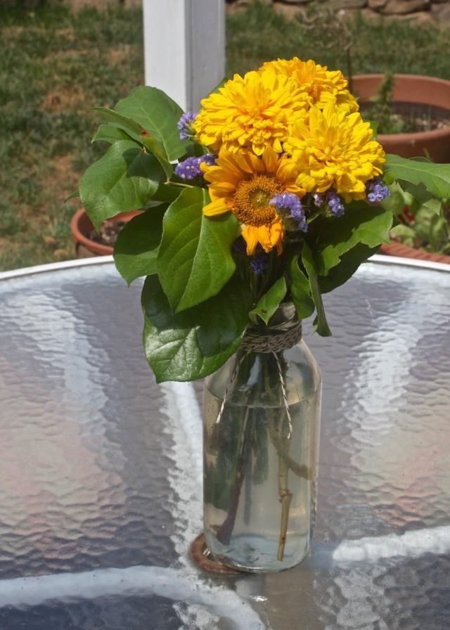 backyard-flowers